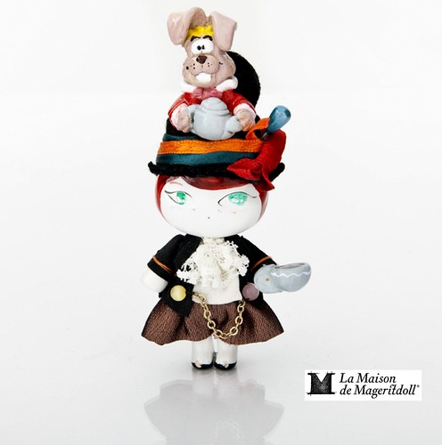 Mageritdoll Collection: MAD HATTER (Resin Art Doll Brooch & Necklace - Muñeca artística resina) by La Maison de Mageritdoll