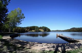 Lago con embarcadero. ©OT Lourdes Studio GP Photo.