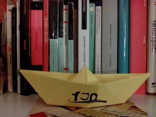 Una barchetta tra i libri by Ylbert Durishti