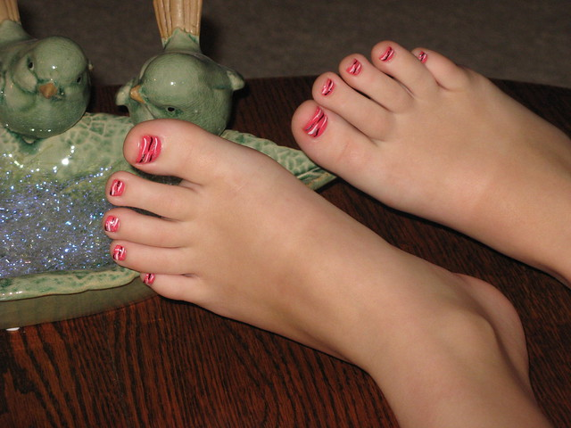 Alexis Toes painted 01