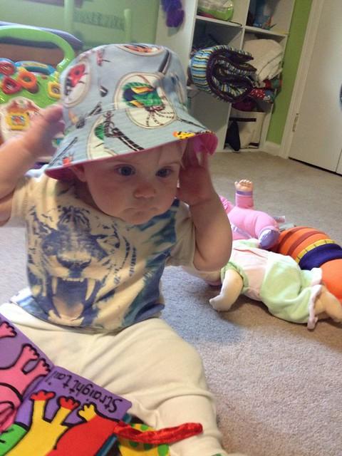 bucket hat - bug side