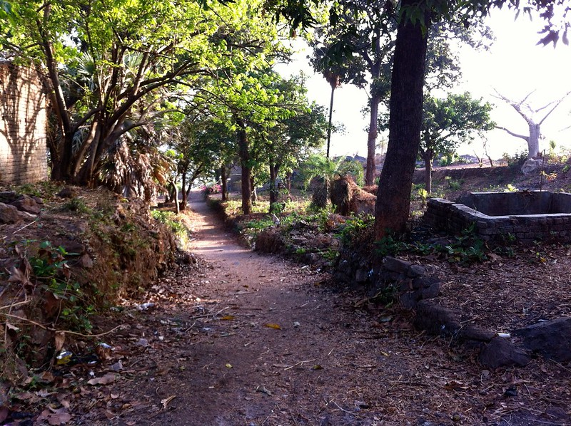 Ghodbunder Fort - Path to the sea face