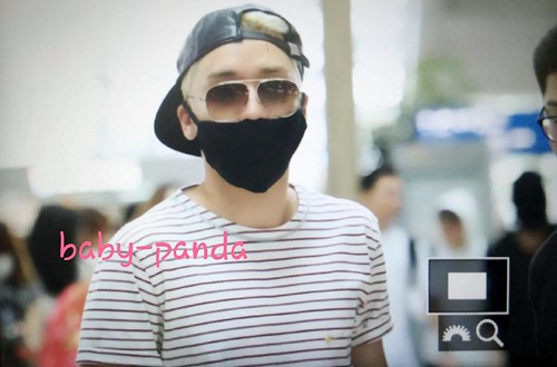 Big Bang - Incheon Airport - 29may2015 - Seung Ri - Baby Panda - 01