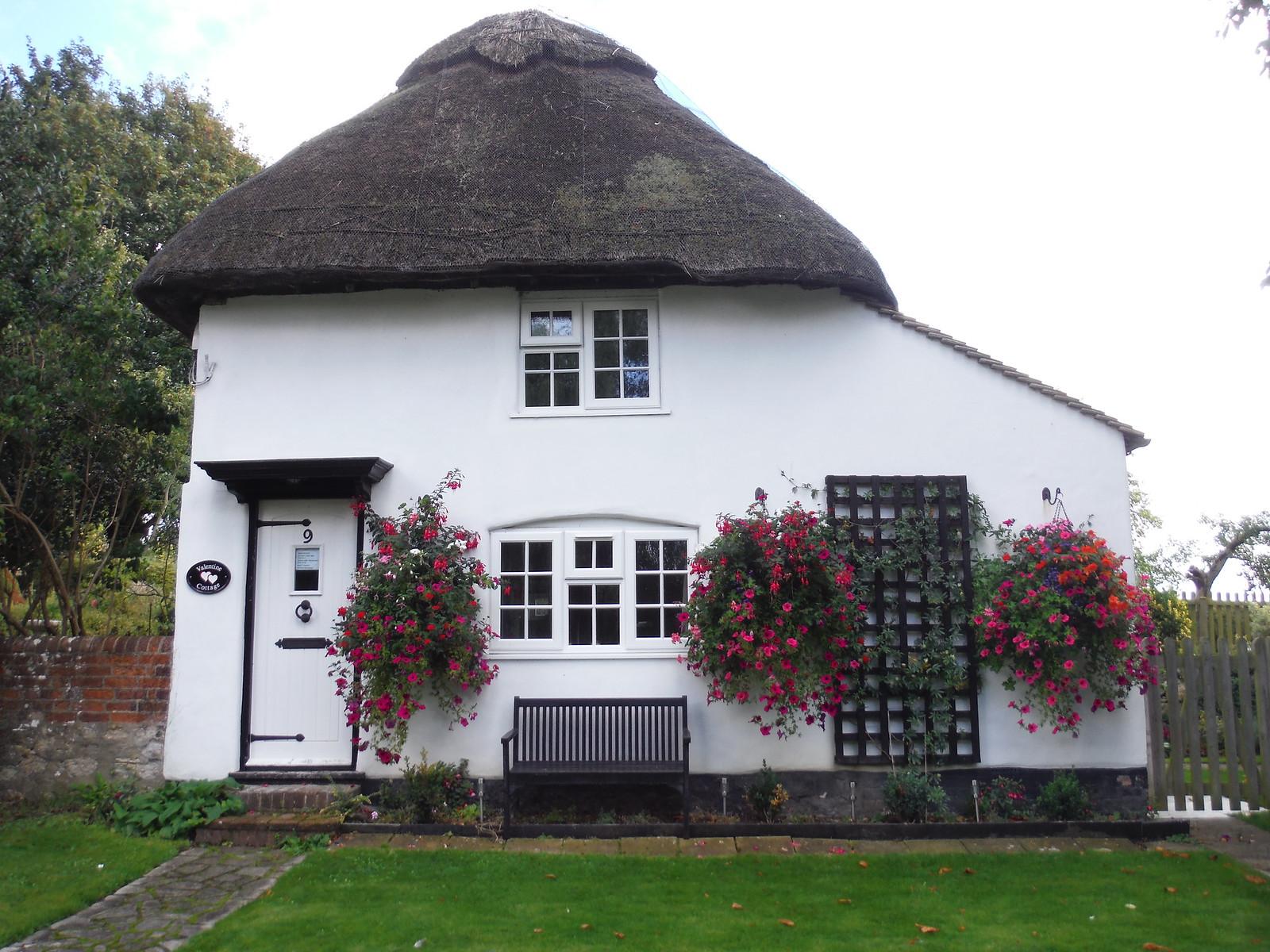 House in Weedon SWC Walk 194 Aylesbury Vale Parkway to Aylesbury
