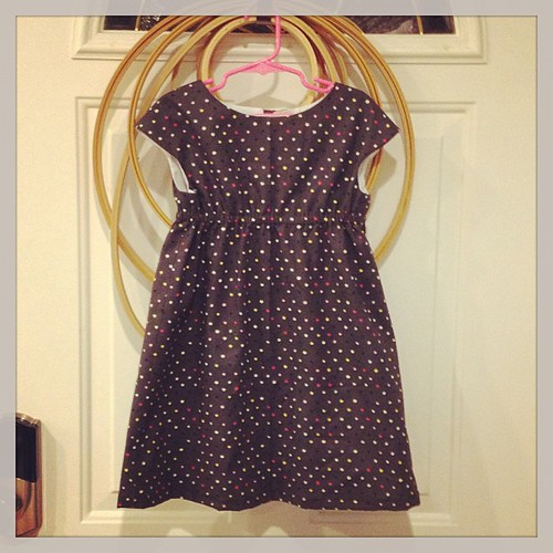 I made Claire a dress!   Im quite proud of myself.  :)