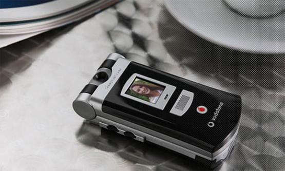 8. Sony Ericsson V800