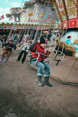 Flying on the chairoplane - Fujinon XF 14mm f2.8 - Fuji X-Pro 1