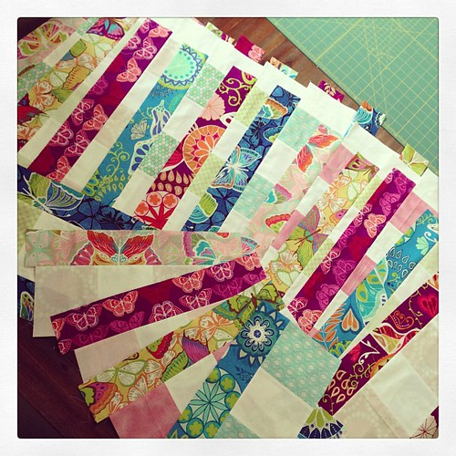 #bloombloompow blooms finished piecing! Can't wait for next weeks instructions! @freshlypieced