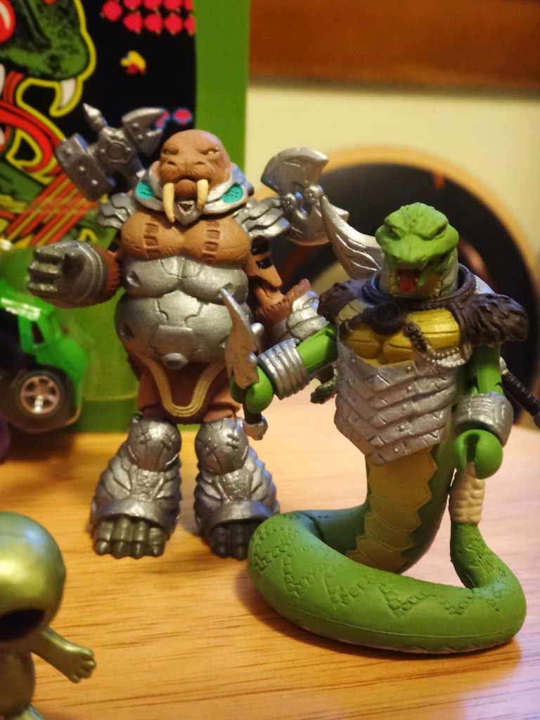 battle beasts mini mates snake walrus