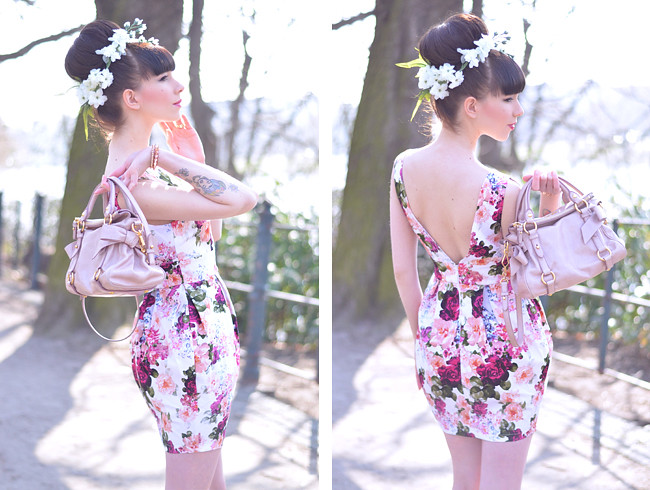 Floral dress miu miu bag outfit 10