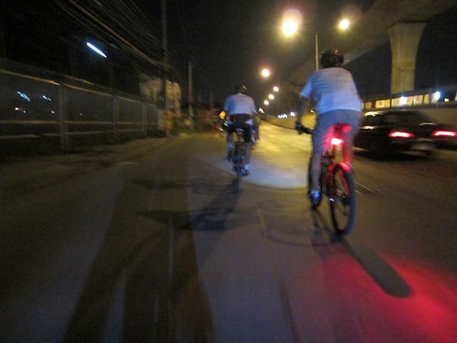 Cycling east on Ratanatibeth approachng Rachapreuk