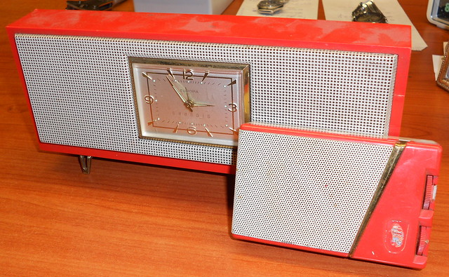 clock and radio Grundig Europa