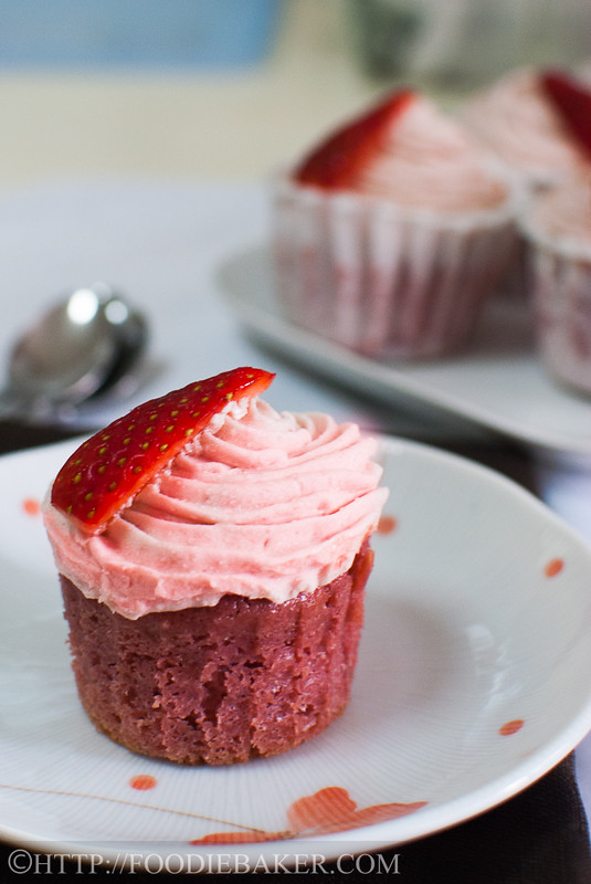 Real Fruits Strawberry Cupcakes