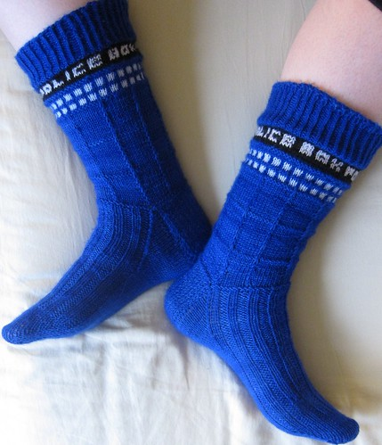 Knitting Pattern For Tardis Socks : Polka Dot Overload Sewing, knitting & vintage projects, tips, tutorials...