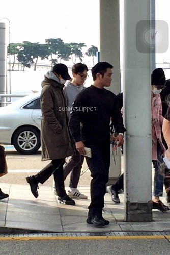 Big Bang - Incheon Airport - 24sep2015 - bunnyslipper - 01