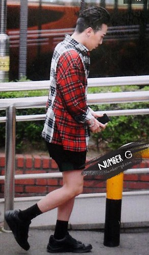 BIGBANG KBS Music Bank arrival 2015-05-15 cr on pic 008