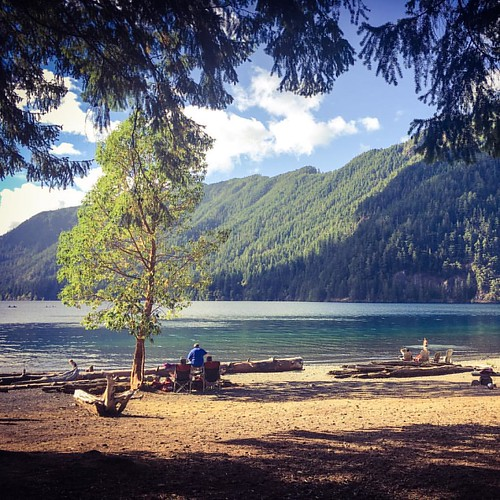 A view of the #lakecrescent #olympicnationalpark #PNW