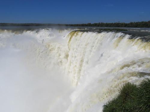 Les chutes d'Iguazu: la chute Unión (la plus grande, 82m) qui se jette dans la Garganta del Diablo
