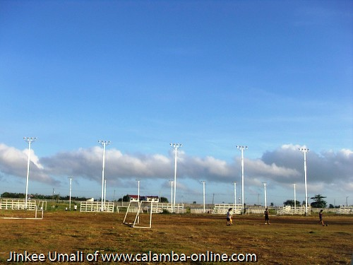 Frisbee at the Plaza of Calamba Laguna by Jinkee Umali of www.livelifefullest.com