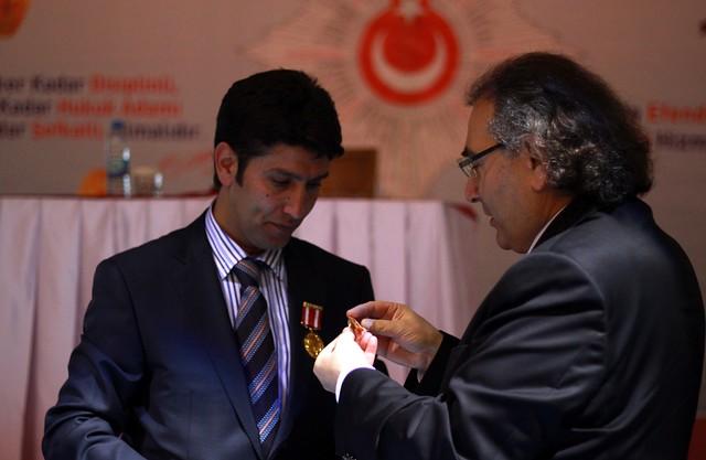 Tarhan'dan Polislere 'Güzel İnsan Modeli' Konferansı 2