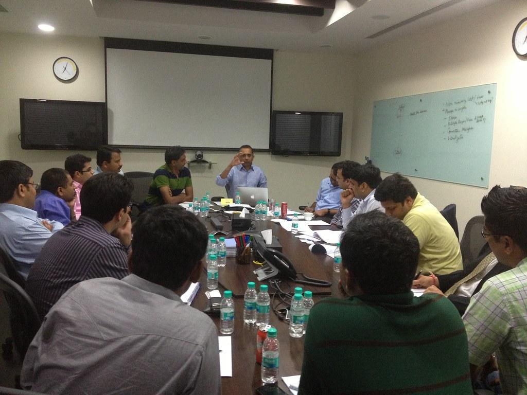 Shankar sharing insights at the iSPIRT Playbook RoundTable