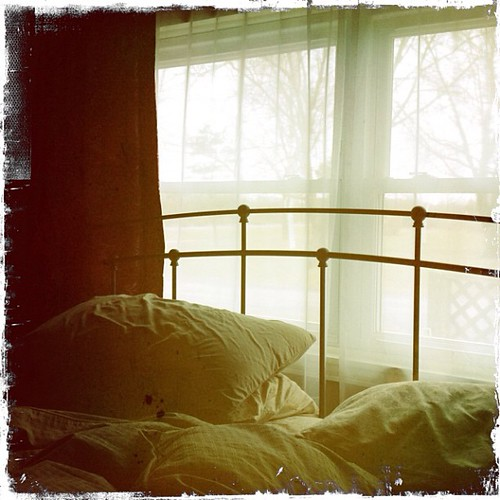 window square bedroom squareformat iphoneography instagramapp uploaded:by=instagram fmsphotoaday