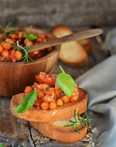 toast bread with chickpeas.2