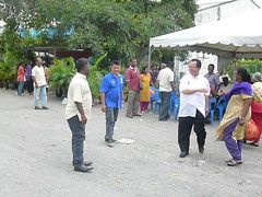 Merayakan bersama komuniti