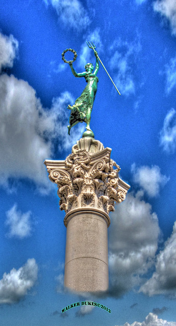 SF's Union Square Goddess of Victory, HDR/Montage