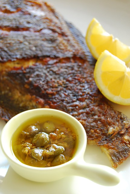 Fried fish with garlic lemon butter caper sauce for Lemon butter sauce for fish