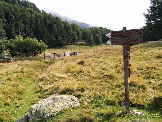 Aufstieg Vermoispitze, Markierung Nr. 6 am kleinen See