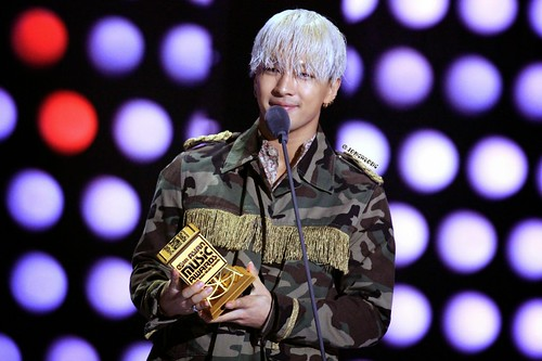 YB-Mama2014-HQs-byJongaBong-weibo_001