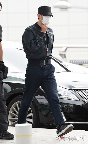 Big Bang - Incheon Airport - 26jun2015 - Press - 10