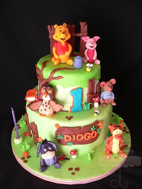 Winnie the Pooh and Friends by Bolos Bolachas E Docinhos