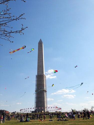 Monument kites