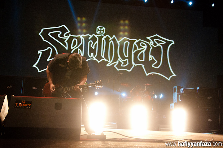 "Seringai Live at Bandung Berisik 2013 ""Versus The World"" Photo by Achmad Hafiyyan Faza"