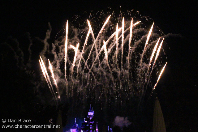 Believe… In Holiday Magic Fireworks