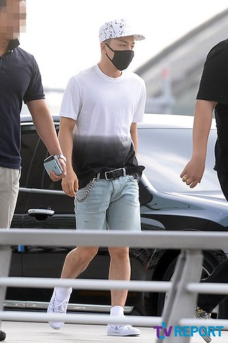 BIGBANG Incheon Airport to Shanghai Press 2015-06-19 016