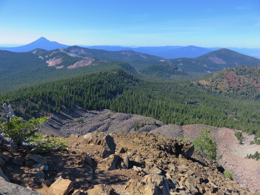 Mt. McLoughlin, Whiteface Peak, Pelican Butte, and Mount Harriman from Aspen Butte