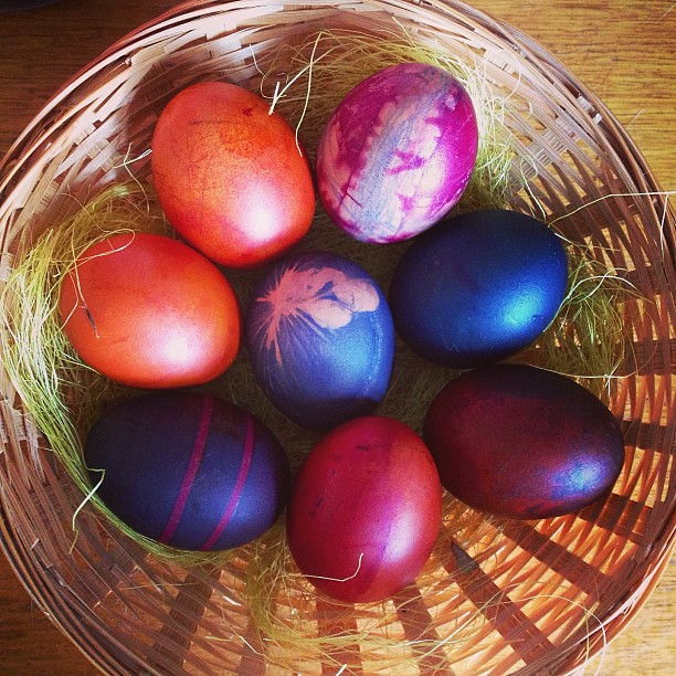 Our Easter eggs are ready and looking beautifully earthy with our GLOB natural egg dye and a little experimentation. @spiralgarden #glob #eastereggs #colour #natural