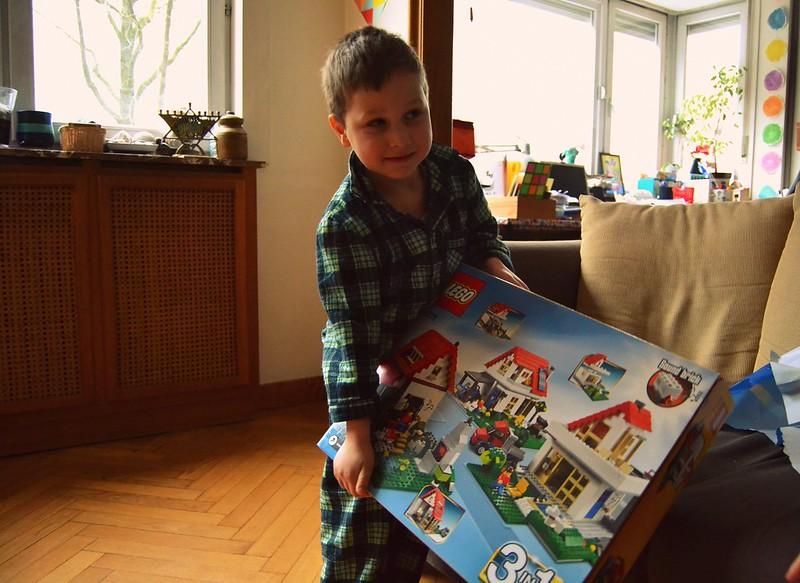 habemus Lego