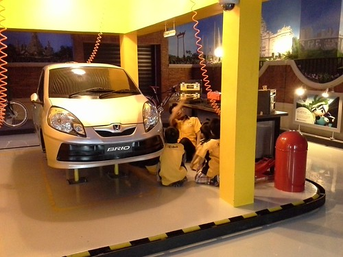 Kidzania Siam Paragon automobile garage