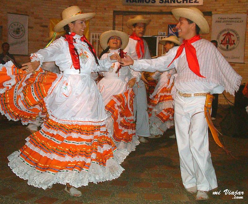 Baile típico, Colombia