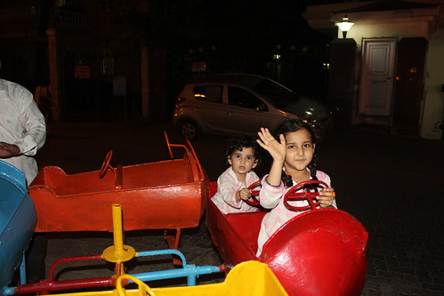 Nerjis And Marziya At Almeida Park Bandra by firoze shakir photographerno1