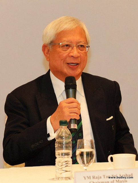 YM Raja Tan Sri Arshad Raja Tun Uda, Chairman, Maxis Berhad