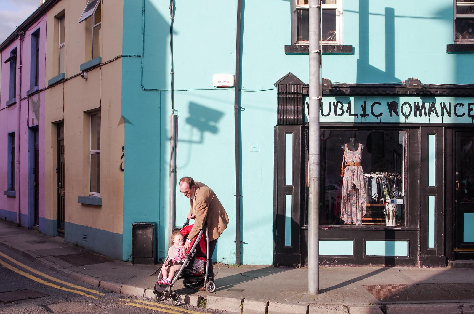 Galway - Public romance