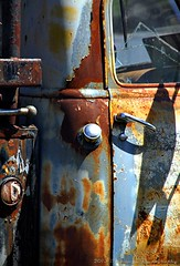 THE OLD RUSTY TRUCK