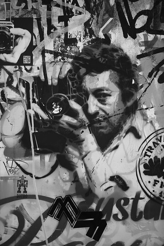 Serge Gainsbourg taking a picture