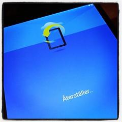 Konfigurering av rekondititionerad ersättnings-Nexus 9 pågår. Smidigt att kopiera från en till annan!