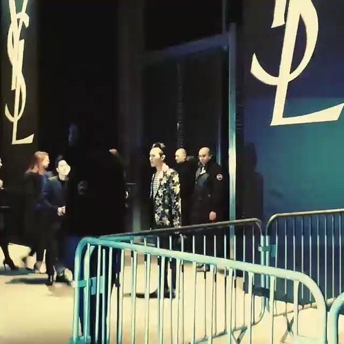 G-Dragon Saint Laurent Show Paris 2015-01-25 Videostills- 7